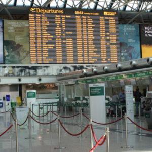 Coronavirus, controlli in tutti aeroporto Italia. Paesi richiamano connazionali