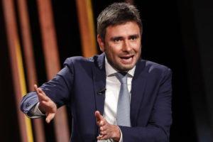 Alessandro Di Battista contro psicosi coronavirus: fulmini uccidono...