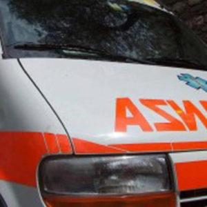 Aulla schianto auto contro muro nella notte: morti 2 giovani, 3 feriti
