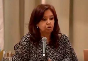 """Argentina, la vicepresidente Cristina Kirchner: """"Gli italiani sono geneticamente mafiosi"""" VIDEO"""