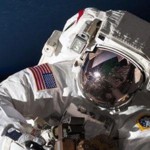 Astronauti per esplorare Luna e Marte cercasi: il bando NASA