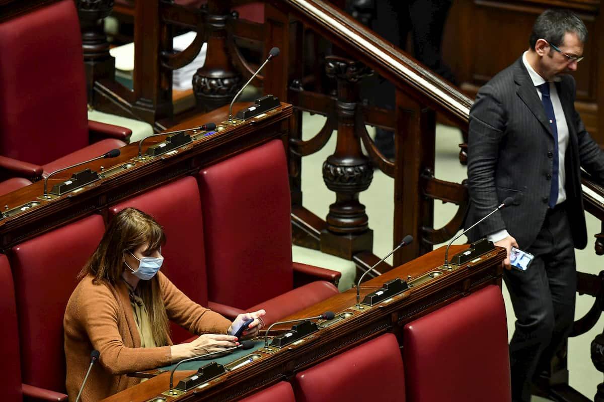 Coronavirus, Maria Teresa Baldini alla Camera con la mascherina FOTO