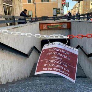 Roma, metro Barberini riapre martedì 4 febbraio. Ma solo in uscita