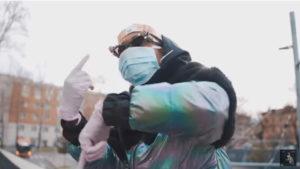 Bello Figo canta Coronavirus: il rapper racconta emergenza sanitaria