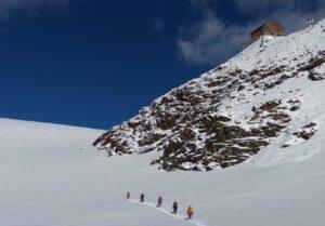 Bolzano, scialpinista austriaca scivola sul ghiaccio e muore sul Piz Boè