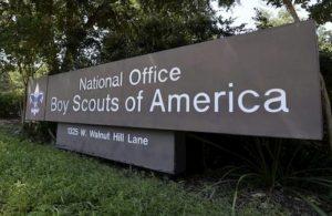 Troppe cause per molestie, i Boy Scouts of America dichiarano bancarotta