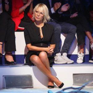 C'è Posta per Te, Maria De Filippi si arrabbia con il pubblico che ride