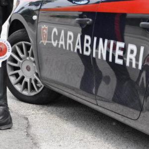 Incidente Rogno, auto si ribalta: fuggivano da alt dei carabinieri