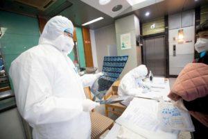 Coronavirus sopravvive fino a 9 giorni sulle superfici di metallo, vetro o plastica