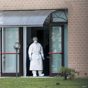 Coronavirus donna in quarantena allo Spallanzani. Nuovi arrivi italiani