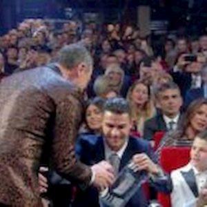 Cristiano Ronaldo depista i fan: prenota hotel a Sanremo ma dorme a Bordighera
