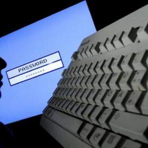 Coronavirus, allarme cybertruffa: si spacciano per funzionari Oms per rubare soldi e dati