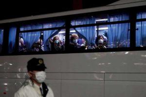 Coronavirus, 20 cittadini americani contagiati dei 300 evacuati dalla nave da crociera Diamond Princess