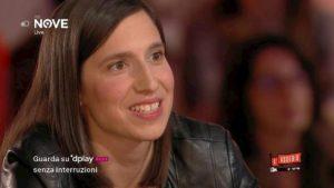 """Elly Schlein fa coming out in televisione: """"Sto con una ragazza e sono felice"""""""