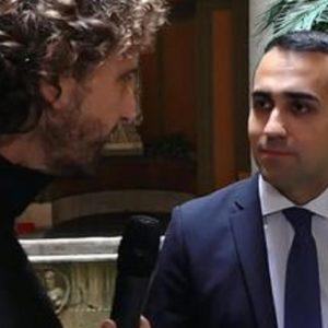 Le Iene, Filippo Roma insultato da alcuni manifestanti M5S