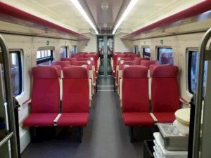 Coronavirus, Trenitalia rimborsa chi rinuncia a viaggiare. Sui treni disinfettanti e mascherine a personale