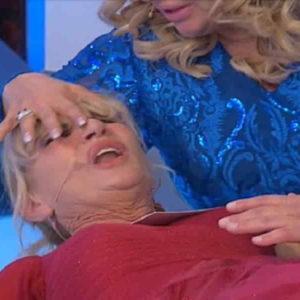 Gemma Galgani, malore al trono Uomini e donne: Tina Cipollari mi vuole...