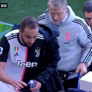 Juventus, Higuain-Sarri: che lite al momento della sostituzione...