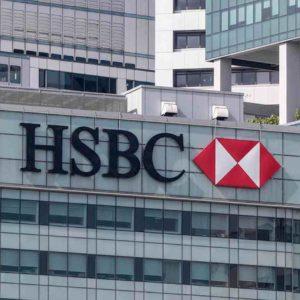 Hsbc taglia 35 mila posti di lavoro: calano utili della banca