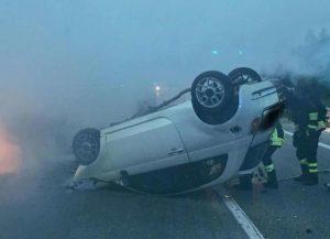 Rogno incidente in provincia di Bergamo: si ribalta auto, muore ragazzo di 27 anni
