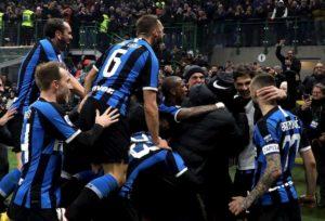 Da 0-2 a 4-2, l'Inter rimonta il Milan e aggancia la Juve in vetta