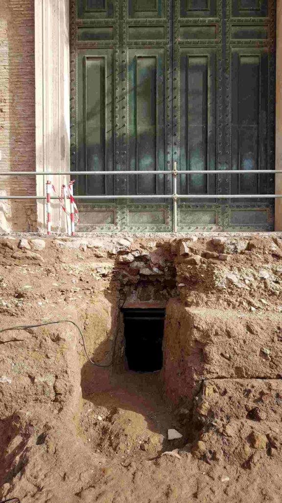 Foro Romano, trovato sarcofago