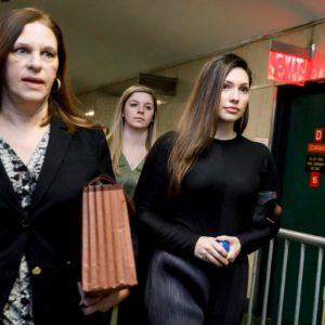 """Jessica Mann: """"Harvey Weinstein non ha i testicoli, sembra come..."""""""
