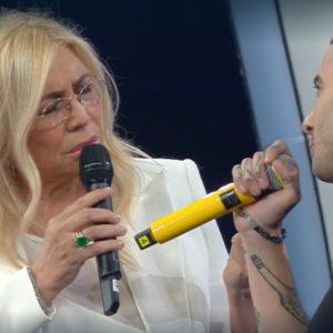 Junior Cally a Mara Venier: Non mi scuso, è il linguaggio del rap