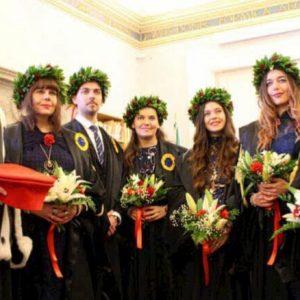 Urbino, la famiglia Bardelli si laurea: madre e sei figli insieme all'Università