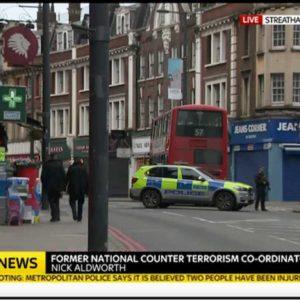 """Londra: uomo accoltella passanti, polizia lo uccide. """"E' terrorismo"""""""