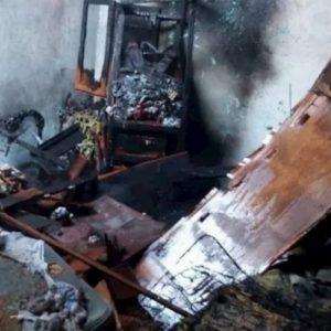 Fratellini muoiono in un incendio, le fiamme causate da un tablet lasciato in carica