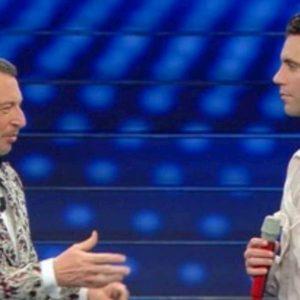 Sanremo 2020, gaffe di Amadeus con Mika: il conduttore rivela tappa del tour