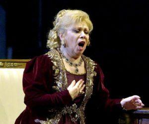 Porta a Porta, gaffe su Mirella Freni: omaggio al soprano scomparso, ma quella in video non è lei