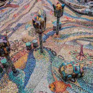 Arezzo, furgoncino finisce fuori strada e danneggia il mosaico più grande d'Europa