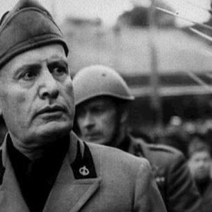 Mussolini resta cittadino onorario di Salò. No alla revoca dell'onorificenza del 1924