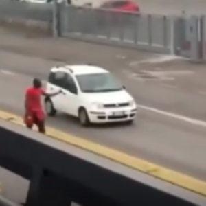 Castiglione delle Stiviere, nigerano con ascia contro i passanti