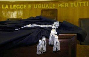 Madre e figli uccisero il padre dopo le continue violenze. Condannati a 14 anni a Palermo