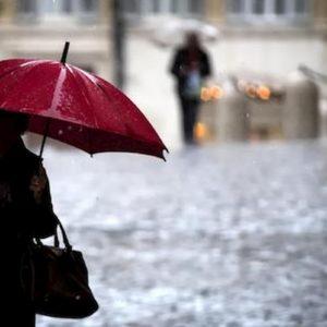 Previsioni meteo: da Nord a Sud torna la pioggia e tanto vento