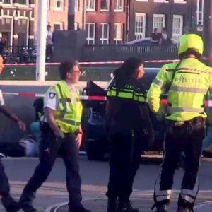 Olanda, pacchi bomba esplodono in uffici postali ad Amsterdam e Kerkrade