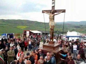 """Sicilia, la processione per invocare la pioggia. La diocesi di Caltanissetta: """"Non è superstizione"""""""