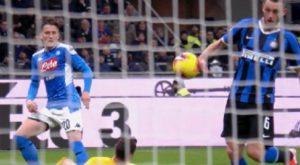 Inter-Napoli, niente rigore per mano di de Vrij. La spiegazione del moviolista Rai scatena polemiche sui social