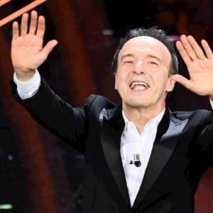 """Benigni porta a Sanremo il Cantico dei Cantici: """"La più bella canzone del mondo"""""""