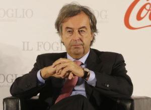 Roberto Burioni chiede quarantena da coronavirus per chi torna da Cina