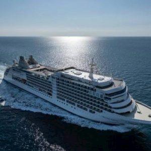 Coronavirus, Royal Caribbean vieta imbarco ai cinesi sulle navi da crociera