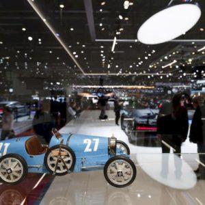 Coronavirus, annullato il Salone dell'auto di Ginevra. Svizzera vieta eventi con più di mille partecipanti