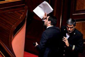 """Gregoretti, Senato dice sì al processo per Salvini. Lui: """"L'ho scelto io e rifarò tutto"""""""