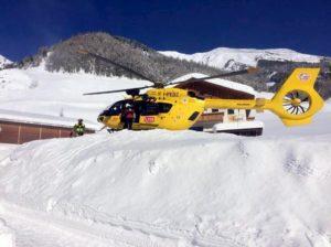 Corvara (Bolzano), sciatore finisce contro un albero: morto sul colpo