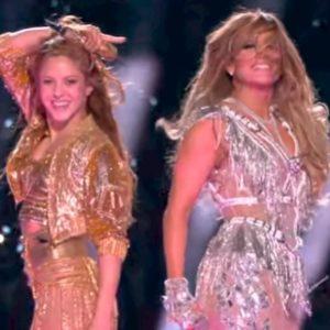 Super Bowl, Shakira e Jennifer Lopez fanno impazzire nell'halftime. E i giocatori Nba...