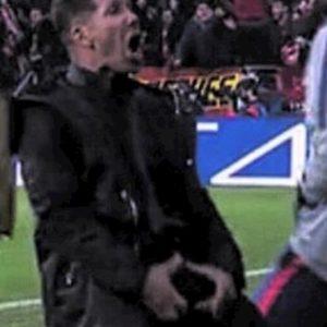 Atletico, Simeone furioso con il raccattapalle: ha dato la palla velocemente al Liverpool