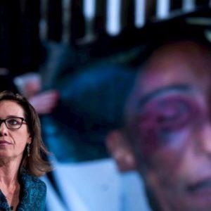 """Stefano Cucchi, la sentenza: """"Morì per lesione alla vertebra e non di epilessia. Prima stava bene"""""""